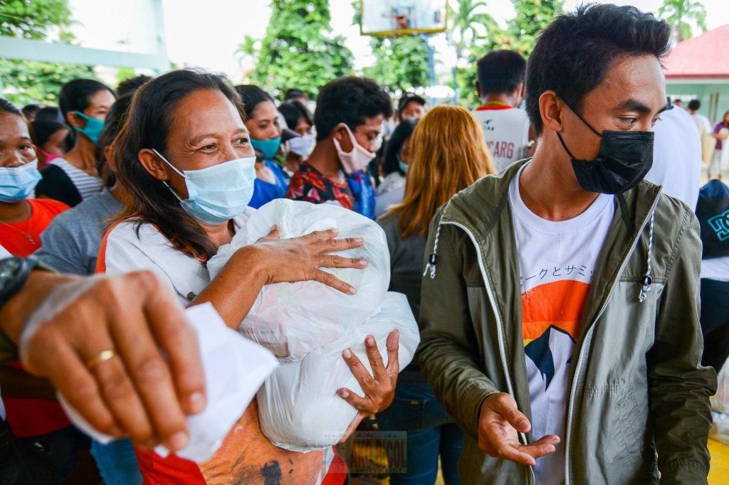 Tumawid ang Ako Bicol Party-list patungong Isla ng Burias, Claveria, Masbate upang maghatid ng relief packs sa ating mga kababayan.
